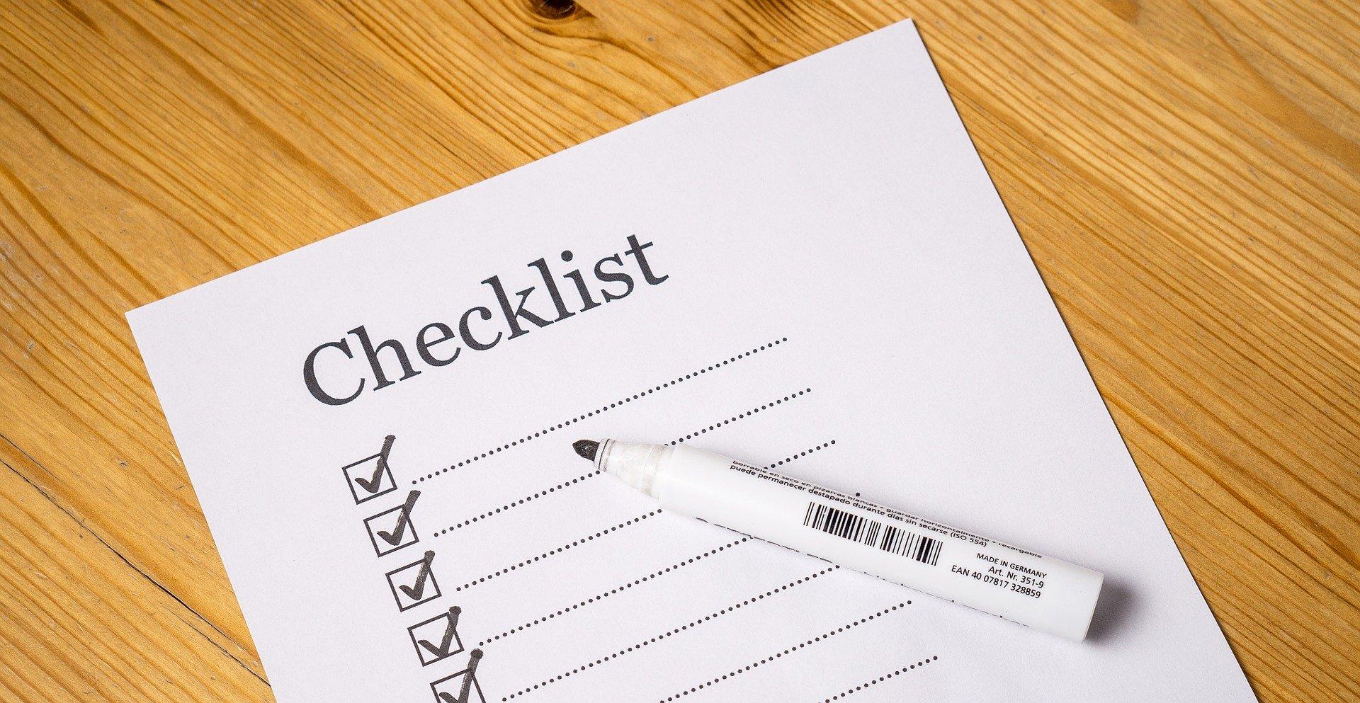 checklist papier stylo